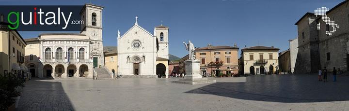 Norcia - Place San Benedetto Square